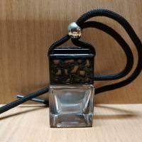 Флакон для автомобильного ароматизатора с черной крышкой