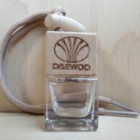 2 стикера с цветным логотипом Daewoo