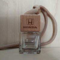 Флакон с деревянной крышкой с логотипом автомобиля Honda