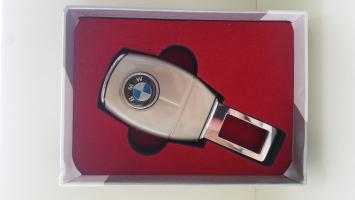 """Переходник ремня безопасности с логотипом """"BMW"""""""