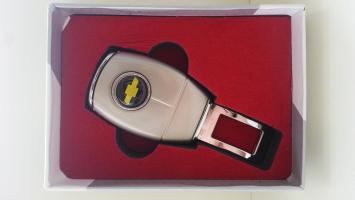 "Переходник ремня безопасности с логотипом ""Chevrolet"""