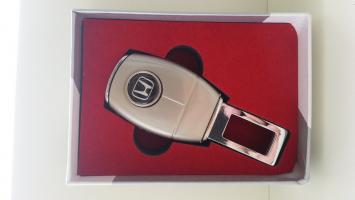 """Переходник ремня безопасности с логотипом """"Honda"""""""