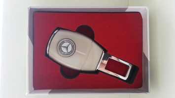 """Переходник ремня безопасности с логотипом """"Mercedes"""""""
